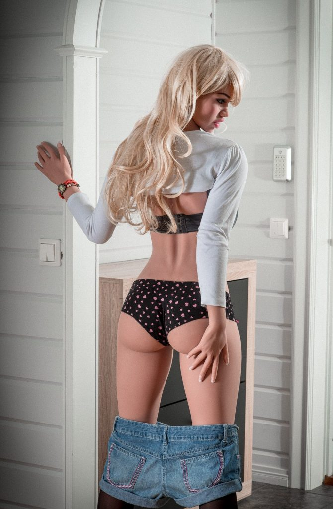 List of platinum blonde sex dolls -4